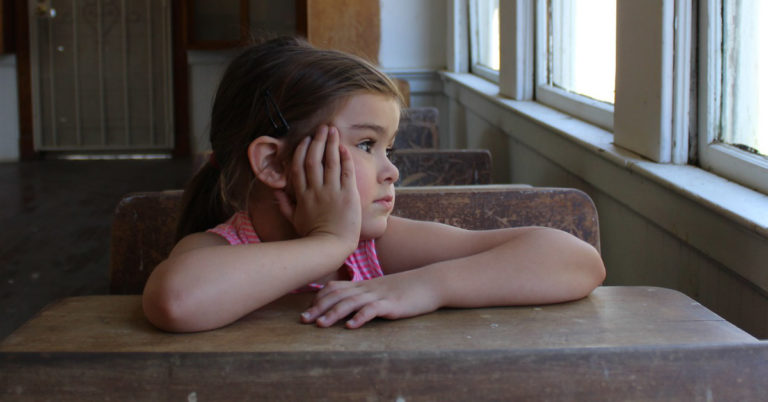 Insegnare inglese ai bimbi: la scuola non basta